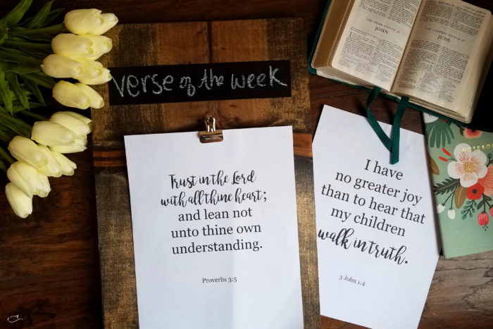 Justine Young diy blogger shares a tutorial for wall art and some free printables of scriptures verses.